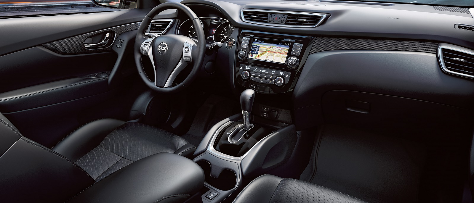2016-nissan-rogue-interior-black-leather
