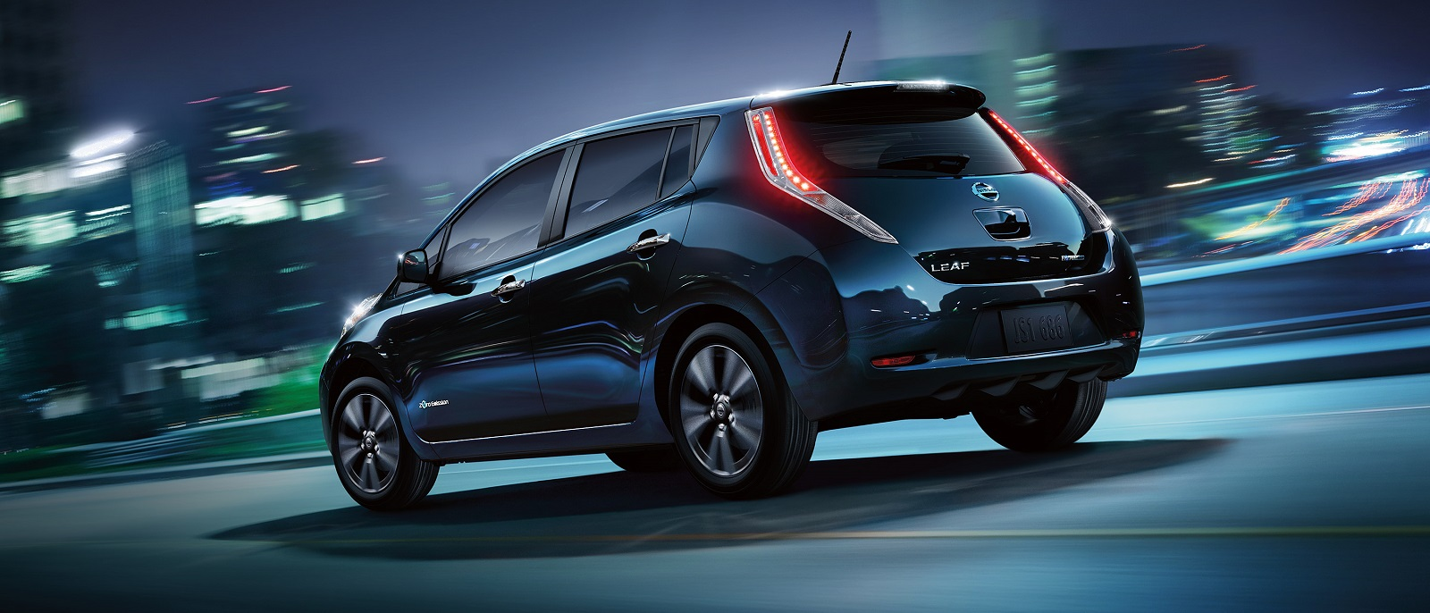 2016-nissan-leaf-rear-super-black