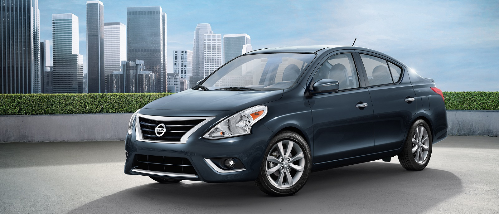 2016-nissan-versa-sedan-graphite-blue