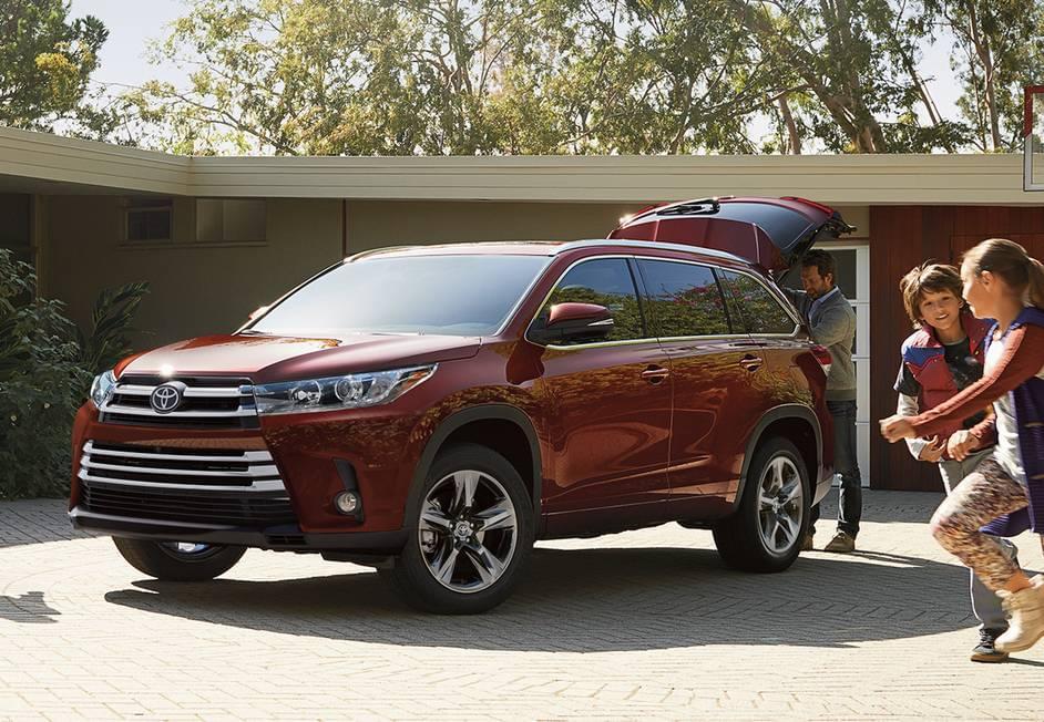 2017 Toyota Highlander thumbnail