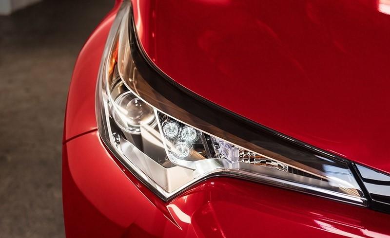 2018 Toyota C-HR Jewel Eye LED Headlight