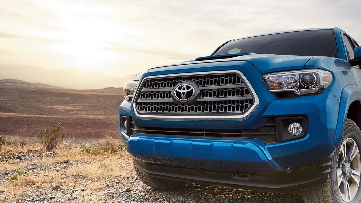 2017 Toyota Tacoma TRD Sport Double Cab Front Detail