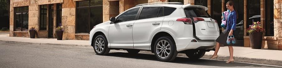 2018 Toyota Rav4 Hybrid white