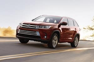 2018 Toyota Highlander in Ooh La La Rouge Mica