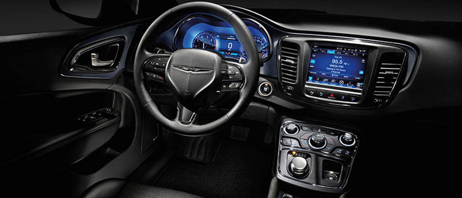 2015 Chrysler 200 Slider 2