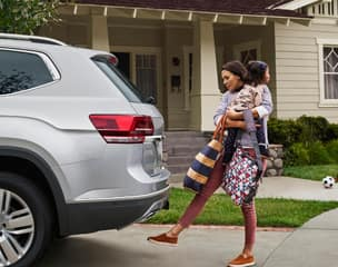 Hands-free Easy Open power liftgate
