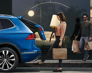 Hands-free Easy Open and Easy Close liftgate