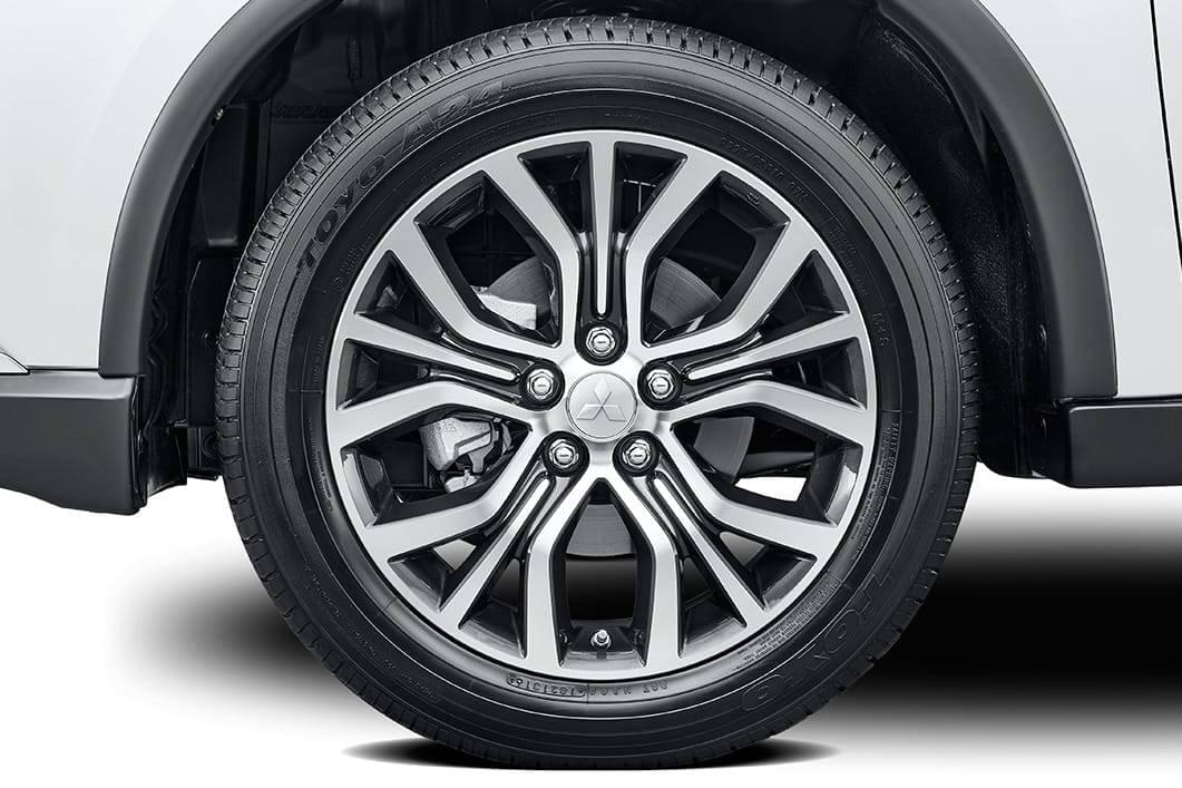 18-inch-alloy-wheels-on-2017-mitsubishi-outlander-exterior-overlay