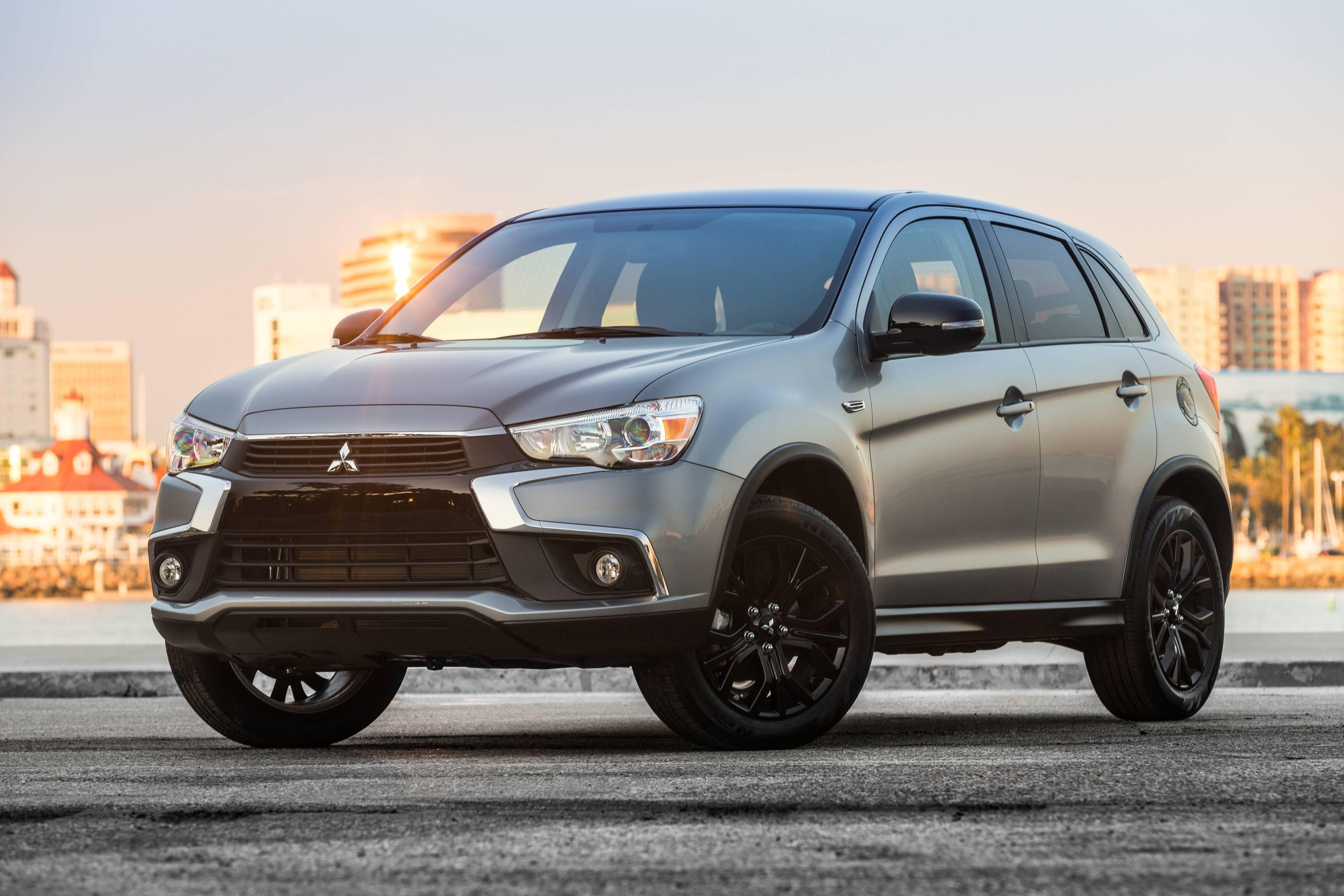 used prices for starts plug in mitsubishi at h hybrid phev aggressive news outlander suv