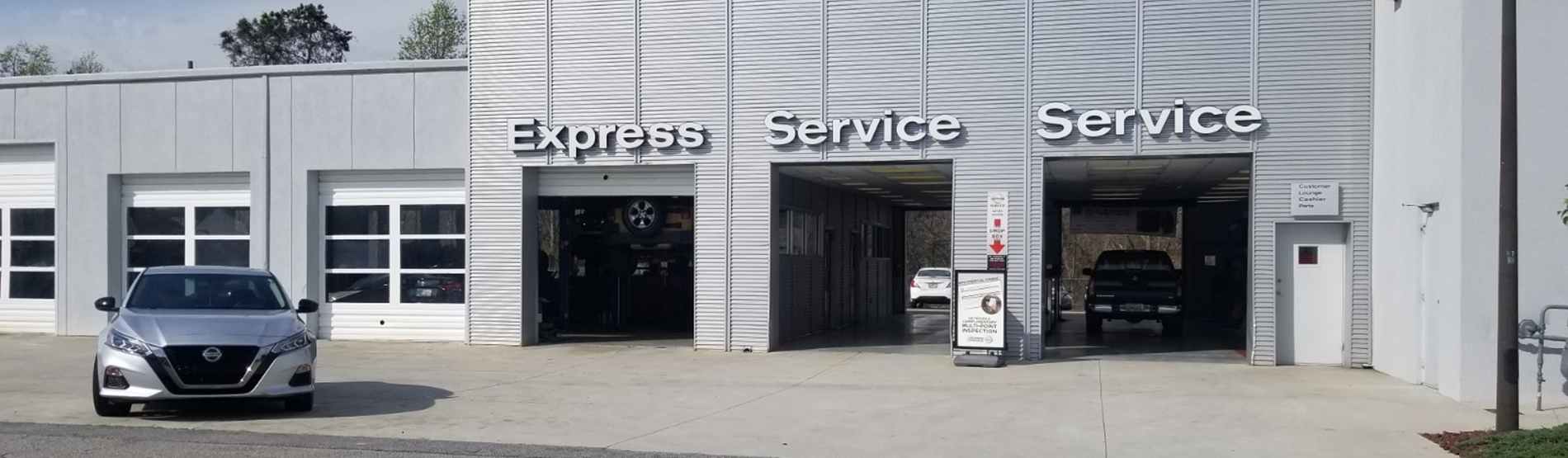 Carriage Nissan Service Department