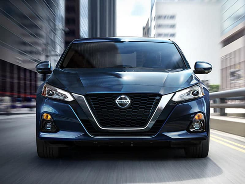 2021 Nissan Altima exterior design with LED headlights and LED fog lights