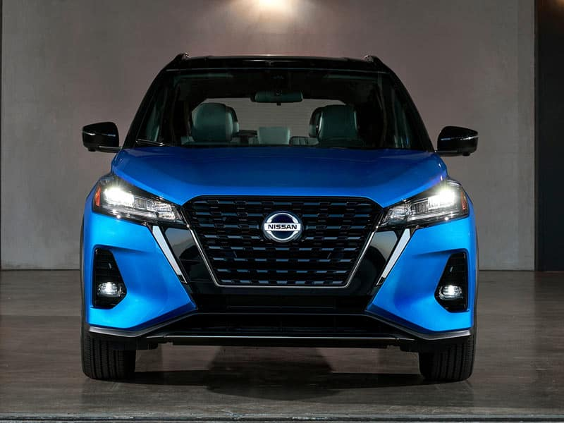 2021 Nissan Kicks bold exterior design with new grille and LED lights