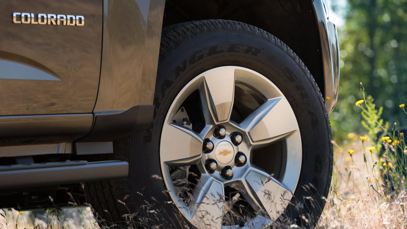 chevy colorado tire