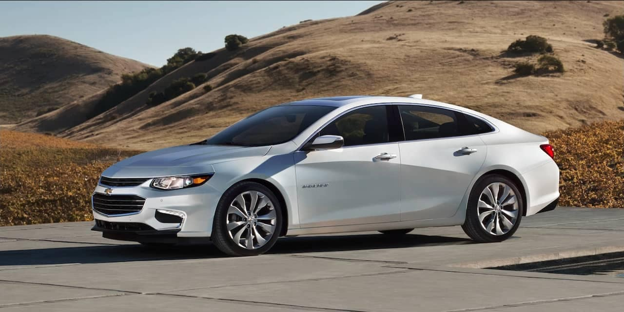 2018 Chevrolet Malibu in white