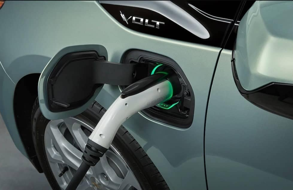 chevrolet volt plug-in charging