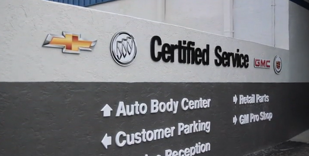 Cox Chevrolet Bradenton >> Auto Body Care At Cox Chevrolet In Bradenton Service Center