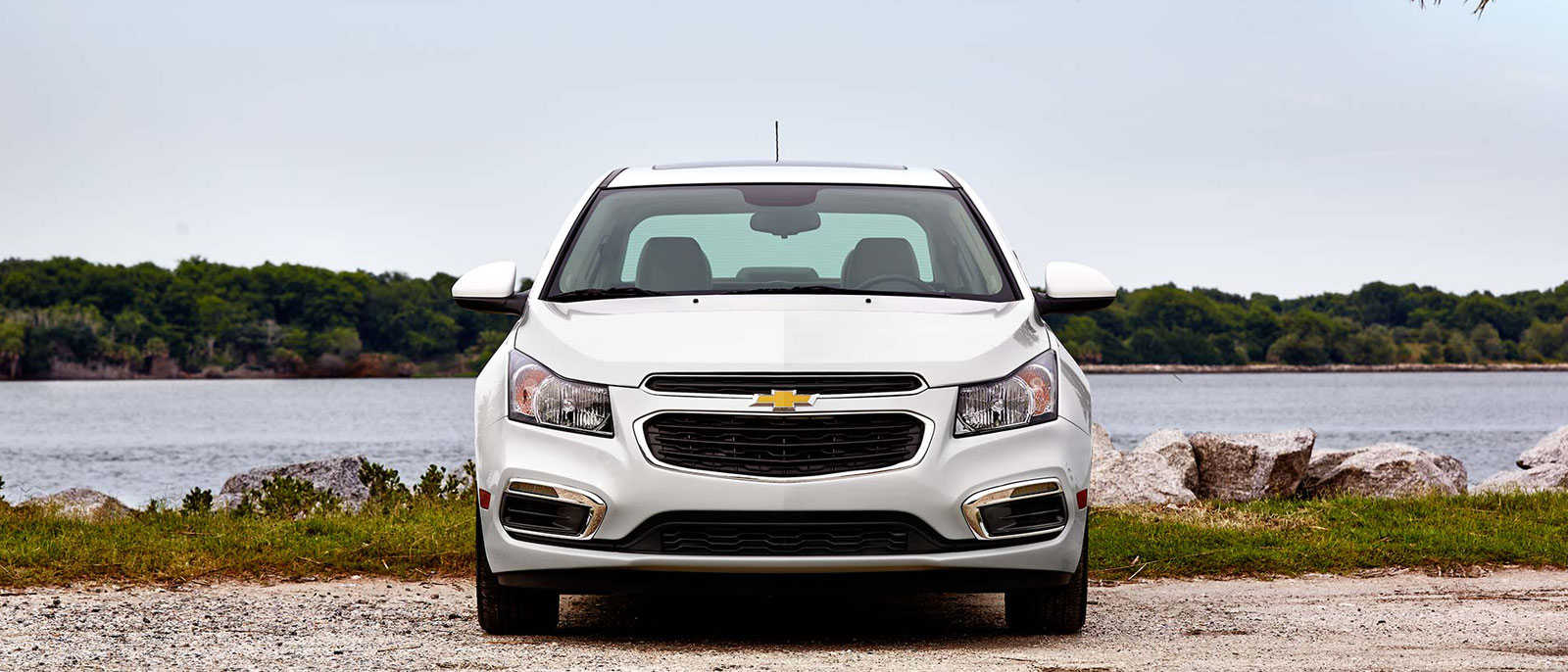 2016 Chevrolet Cruze Limited in white