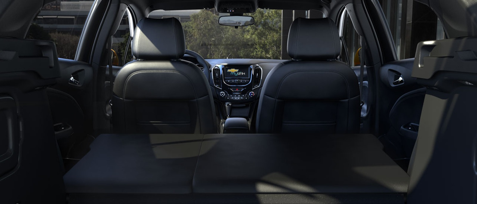 2017-chevrolet-cruze-hatchback-reveal-interior