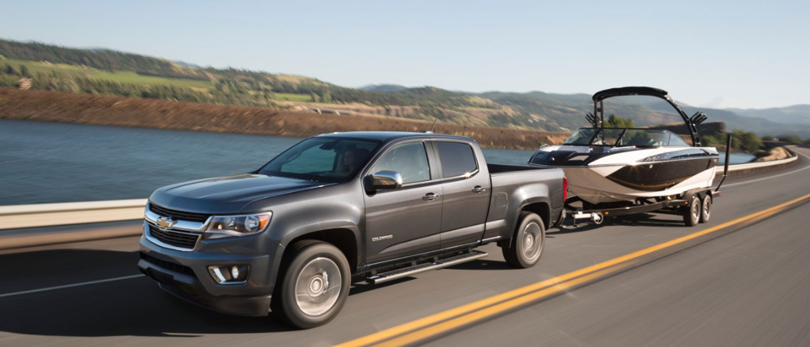 2016 Chevrolet Colorado towing down the highwyay