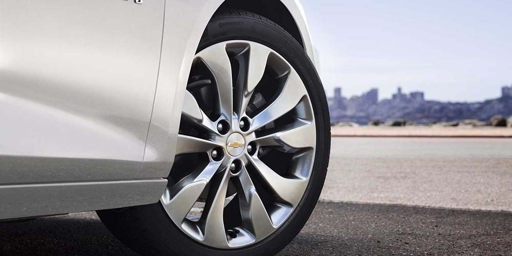 2017 Chevrolet Malibu Tire