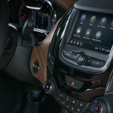 2019 Chevrolet Cruze front interior features