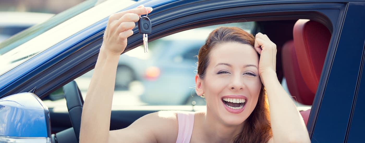 woman trading in car