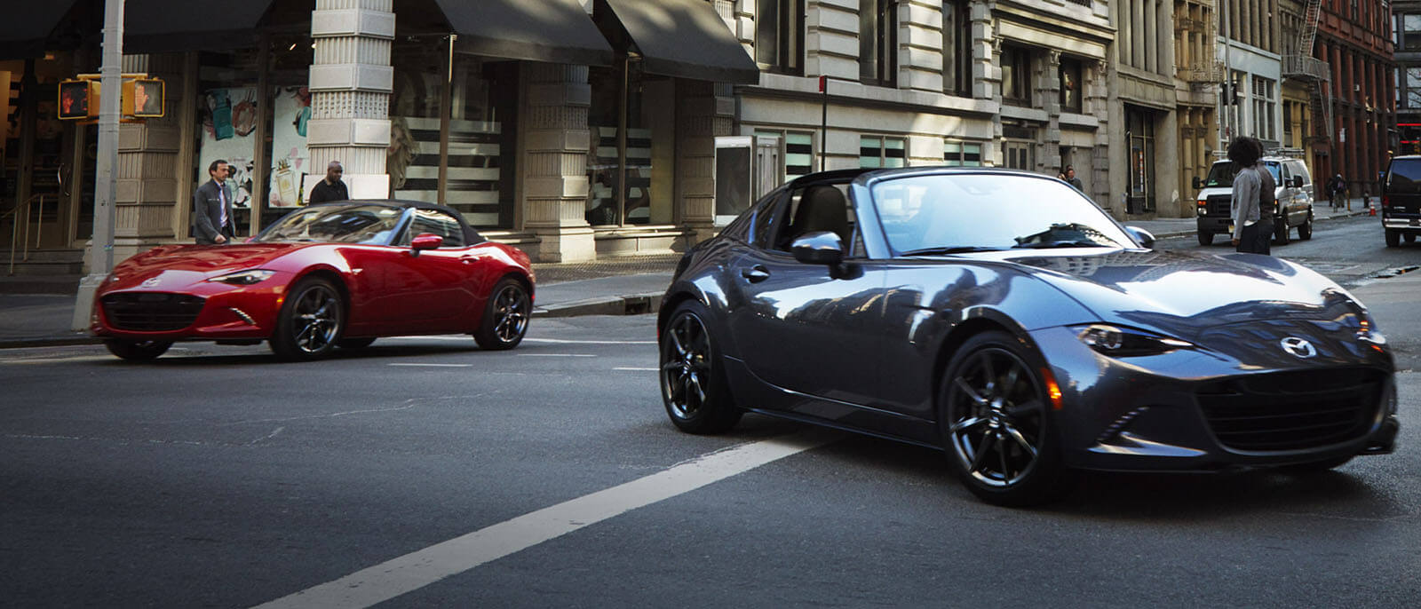 2017 Mazda MX-5 RF in red and blue
