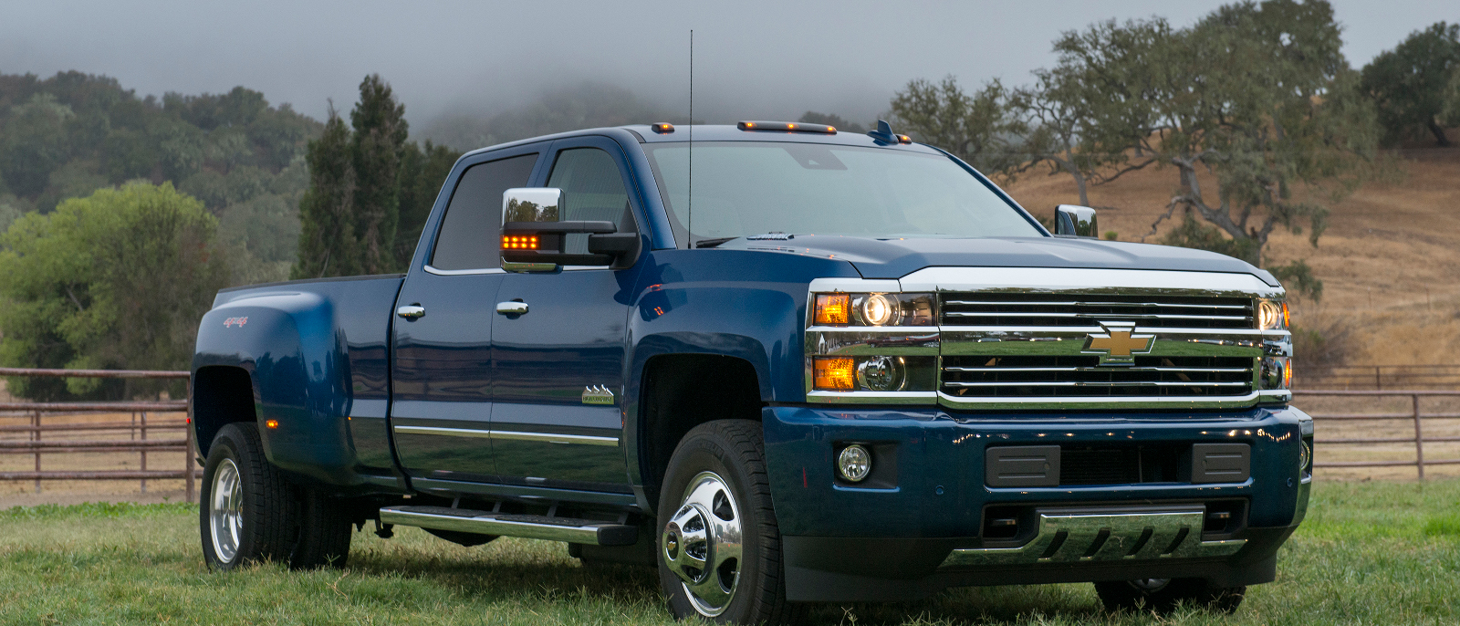 the 2016 chevrolet silverado 3500hd defies expectations. Black Bedroom Furniture Sets. Home Design Ideas
