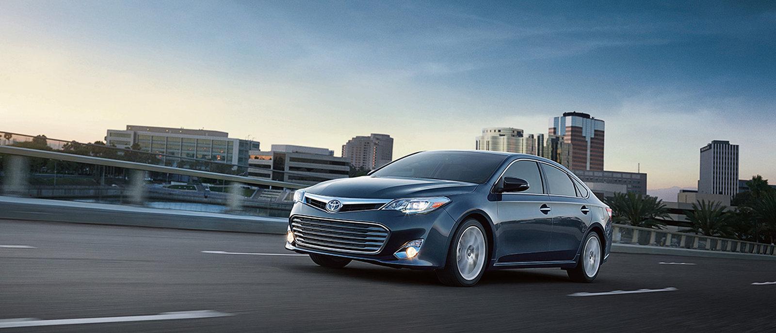 2015 Toyota Avalon Hybrid exterior slider