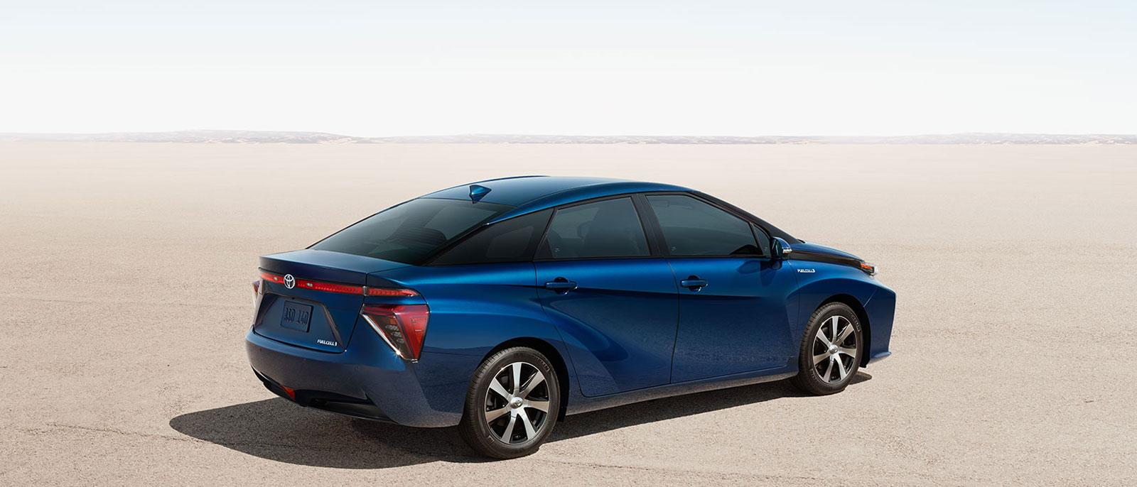 2016 Toyota Mirai profile view