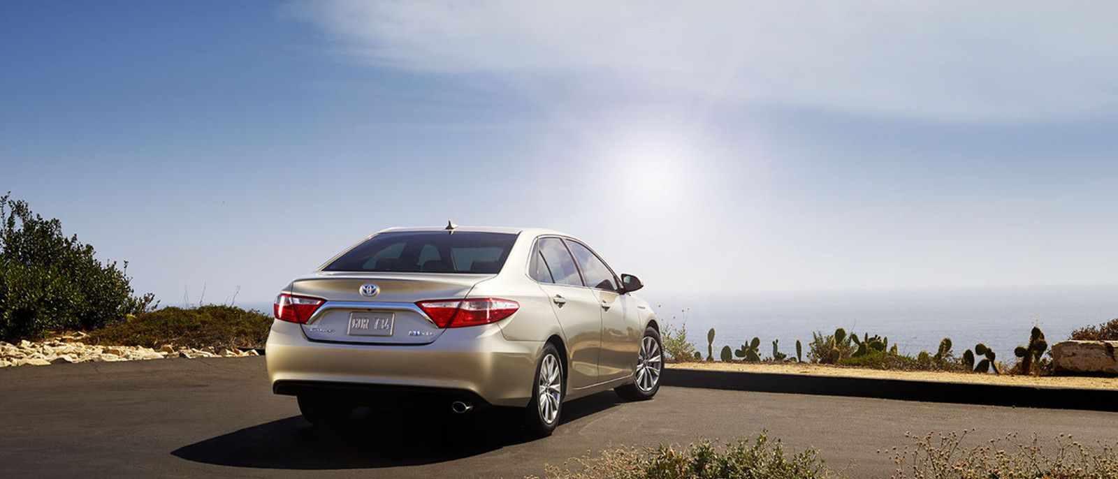 2016 Toyota Camry Hybrid Rear