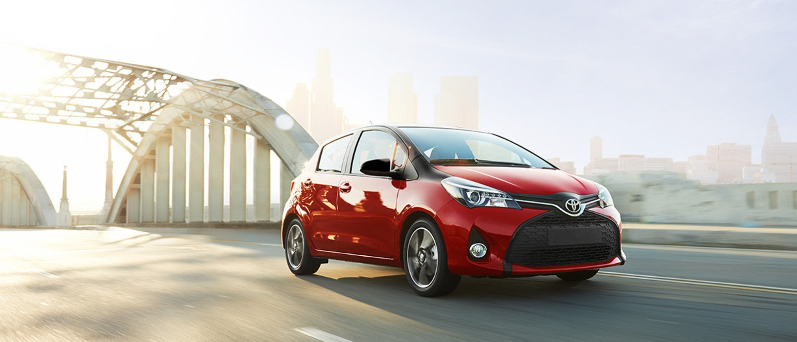 2016 Toyota Yaris Red