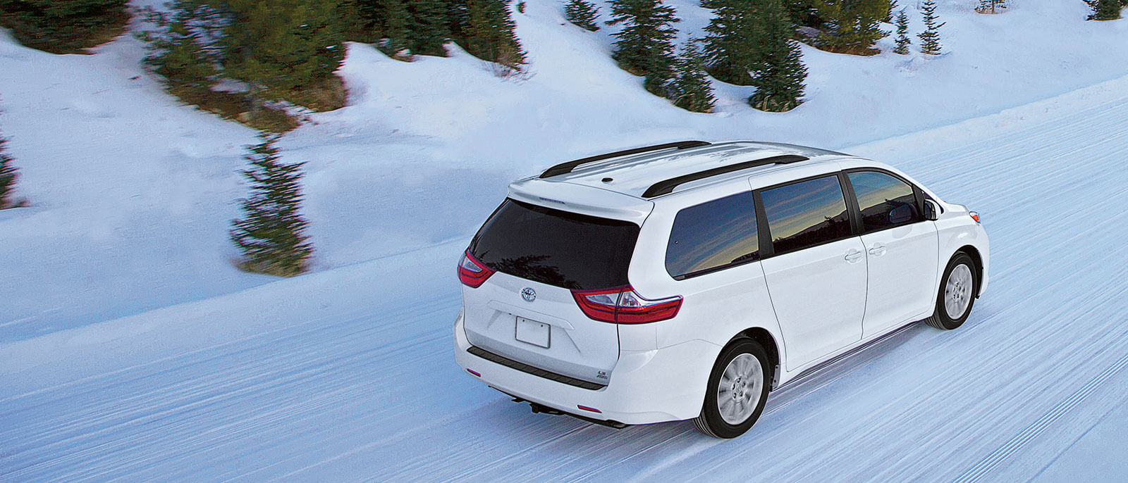 2016 Toyota Sienna back view