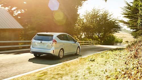 2016-Toyota-Prius-v