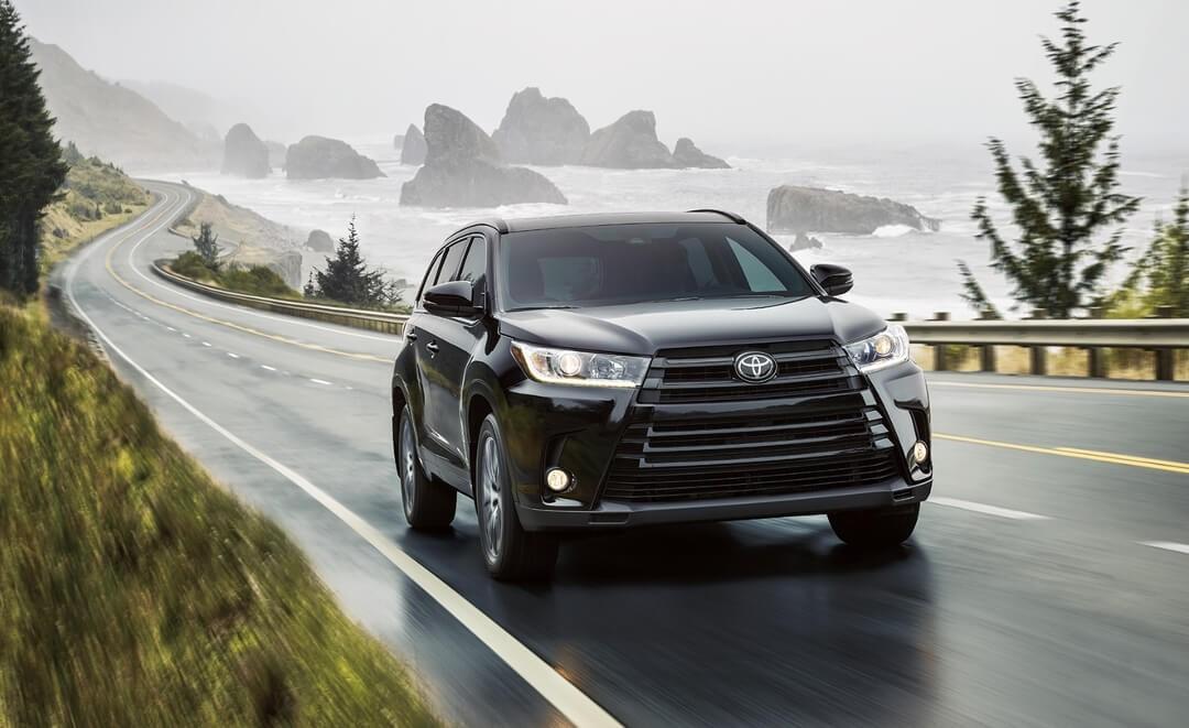 2017 Toyota Highlander exterior performance