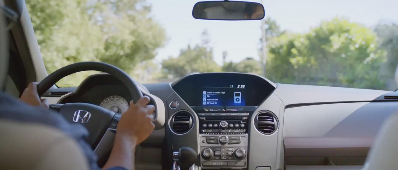 2015-Honda-Pilot-interior-slider-51