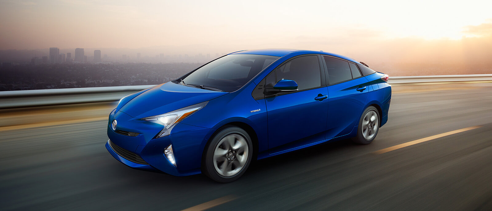 experience true hybrid mileage with the 2017 toyota prius. Black Bedroom Furniture Sets. Home Design Ideas
