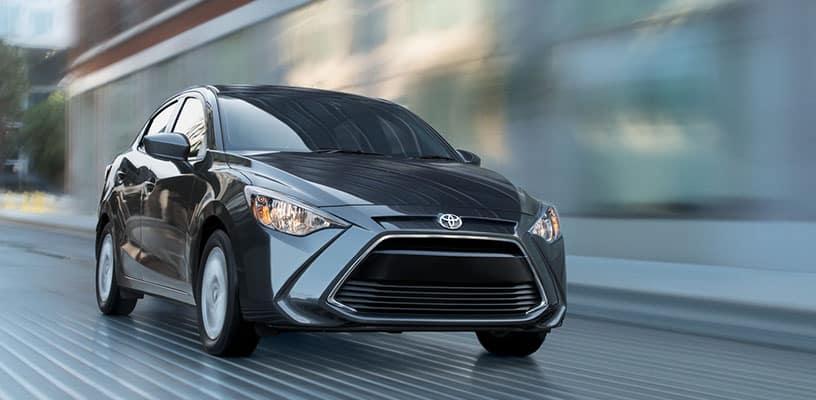Toyota Yaris iA Driving