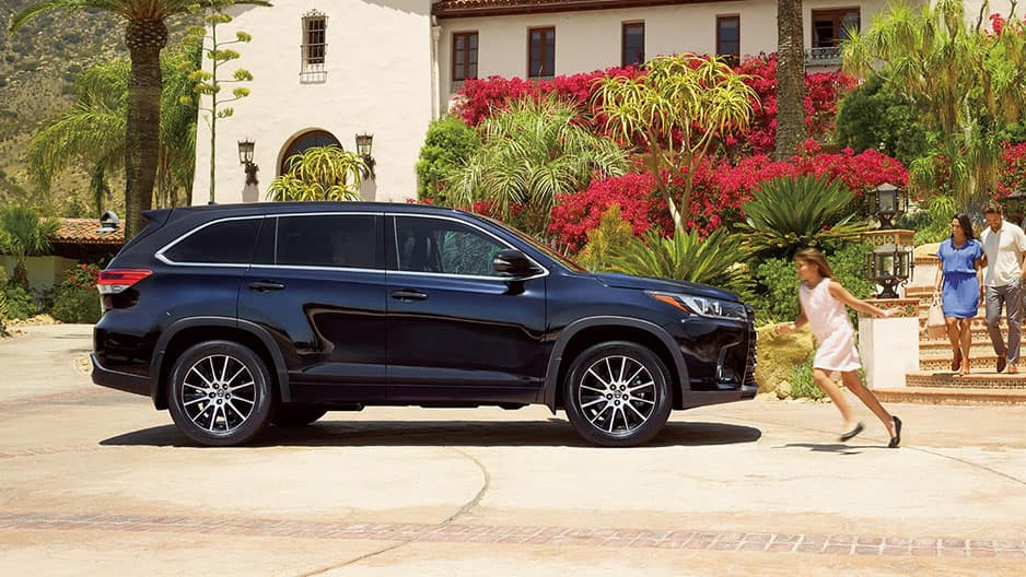 Exterior Features of the New Toyota Highlander at Garber in Fox Lake, IL
