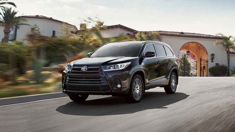 Performance Features of the New Toyota Highlander at Garber in Waukegan, IL