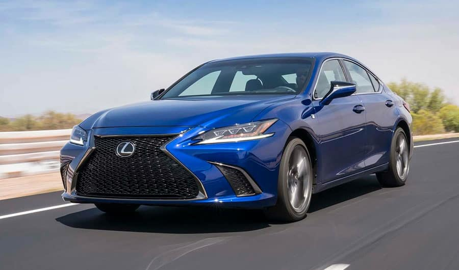 Toyota Avalon Vs  Lexus ES: Name Vs  Price  Which is More Important