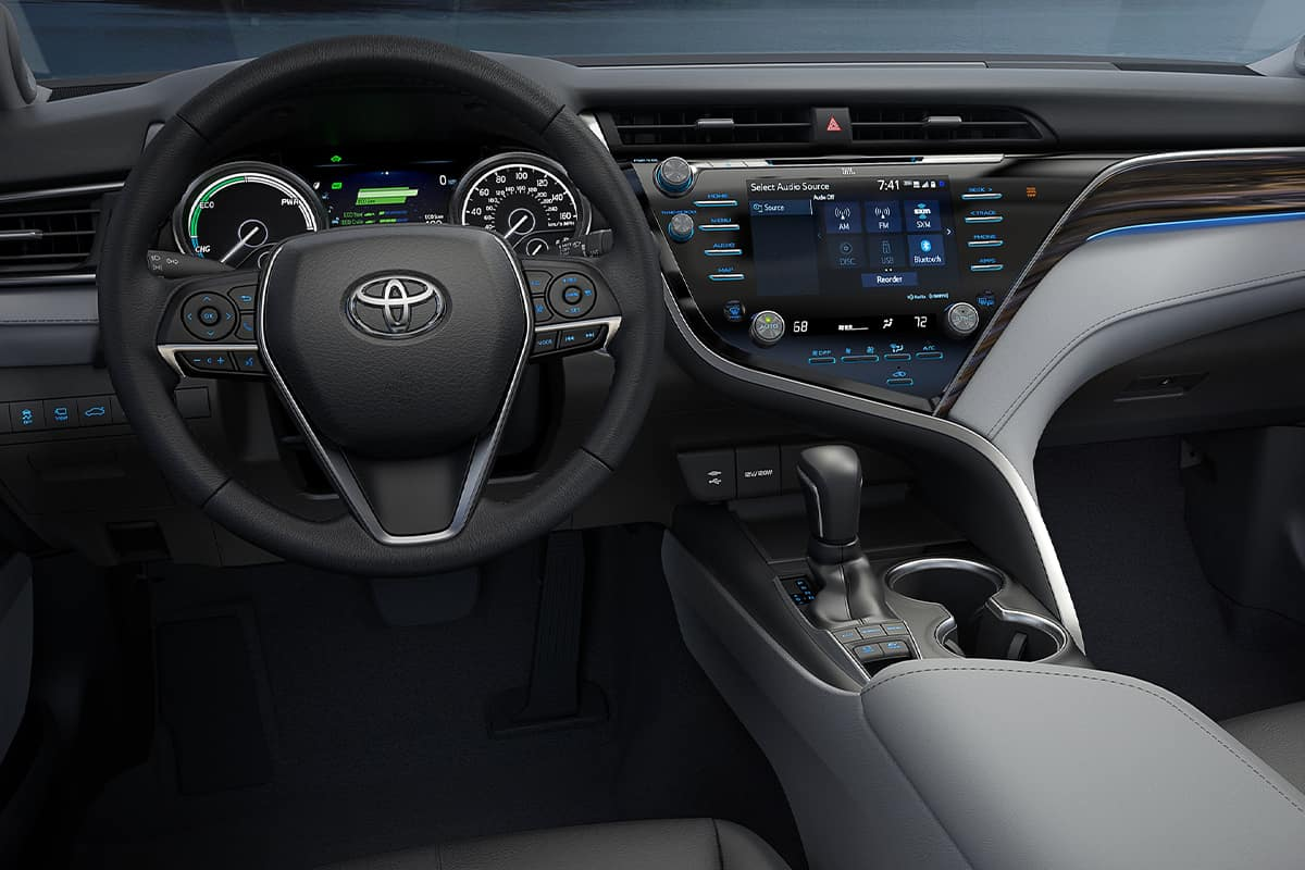 2021 Toyota Camry Hybrid - Car Wallpaper