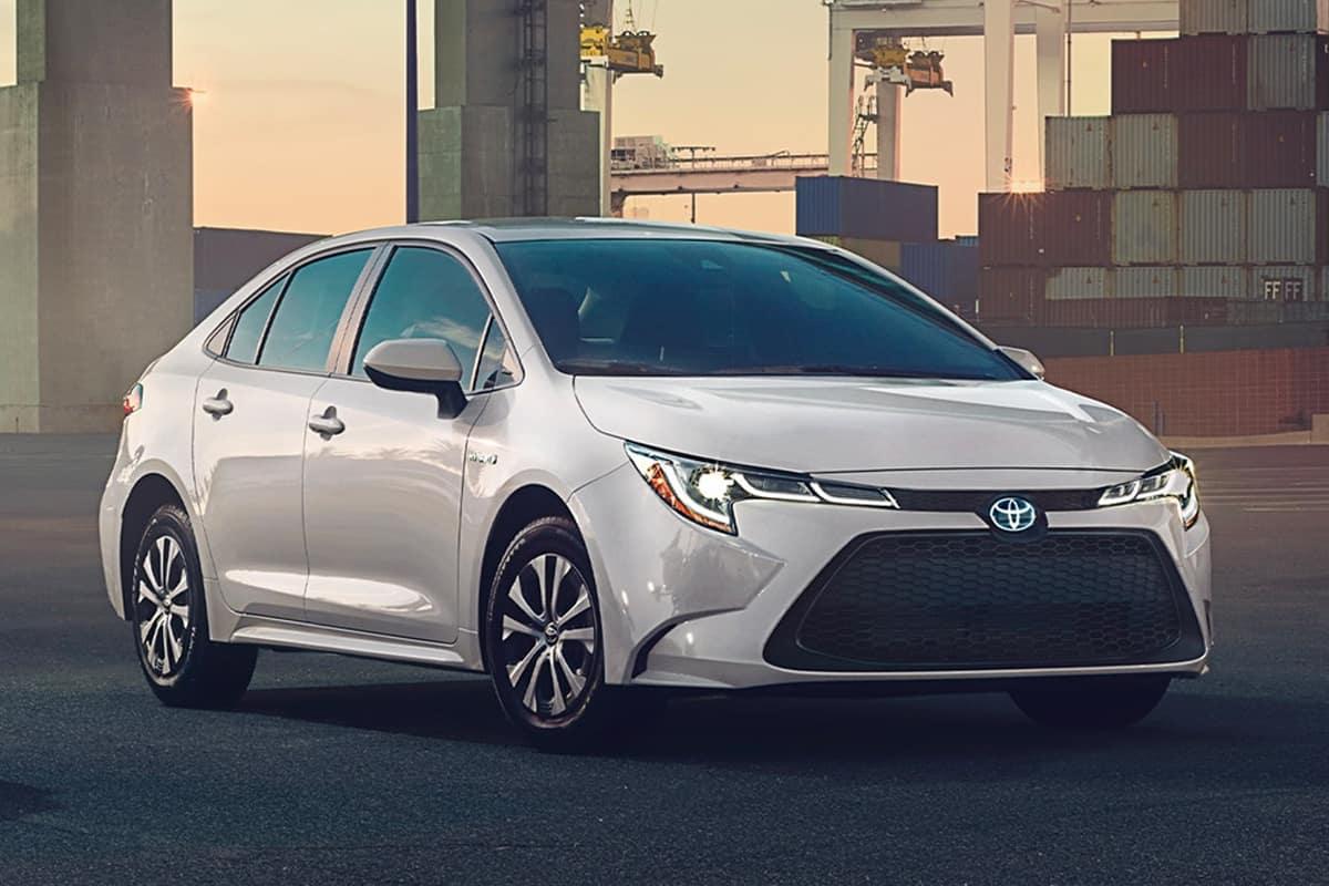 Toyota Camry Hybrid Vs  Toyota Corolla Hybrid