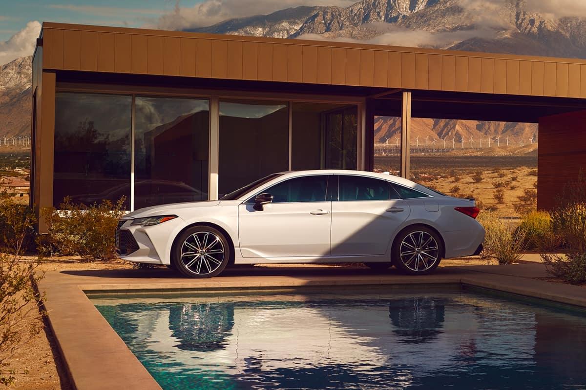 Toyota Avalon Hybrid Vs Toyota Camry Hybrid