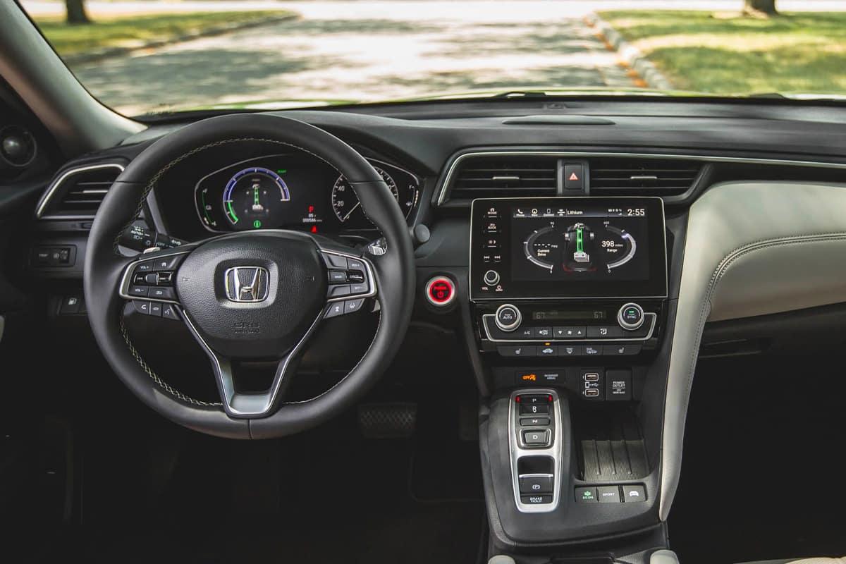 Toyota Corolla Hybrid Vs  Honda Insight