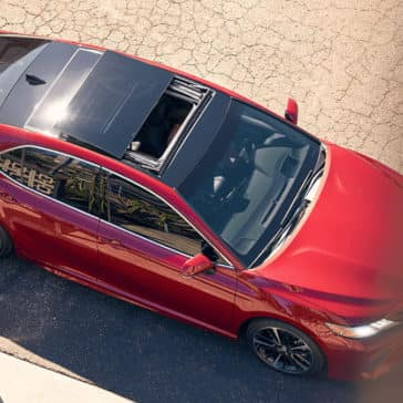 2018 Toyota Camry panoramic moonroof