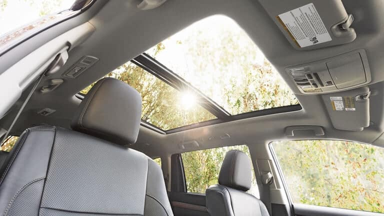 2018 Toyota highlander sunroof detail