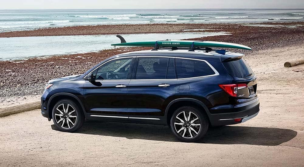 2019 Honda Pilot with surfboard