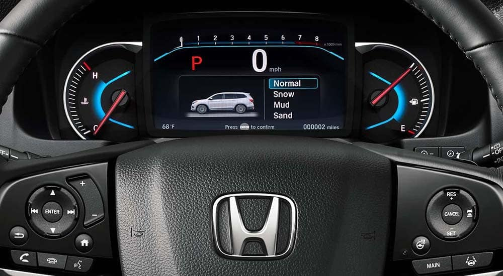 2019 Honda Pilot steering wheel detail