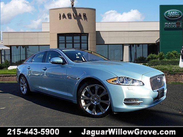 Certified Pre-Owned 2013 Jaguar XJ With Navigation & AWD